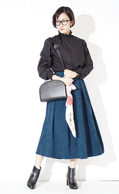 cd720b57a The long skirt of the prophecy by planchette corduroy material which is full  of expressions.