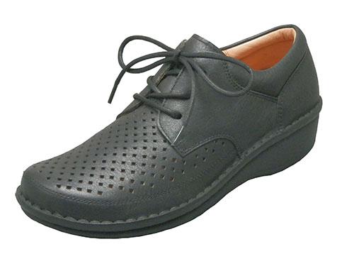 ウォーキングなどに最適な、動きやすいパンチングコンフォートシューズ|10811(ブラック、ブラウン、オフホワイト)おしゃれ 本革 カジュアル 健康靴 疲れにくい お出掛け 通気性 外反母趾 足ツボ 手縫い