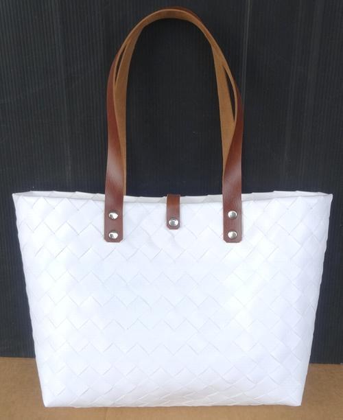 正規激安 大人気のベトナム製ハンドメイドバッグ 新色追加 プラカゴバッグ~レザーハンドル~《ホワイト》