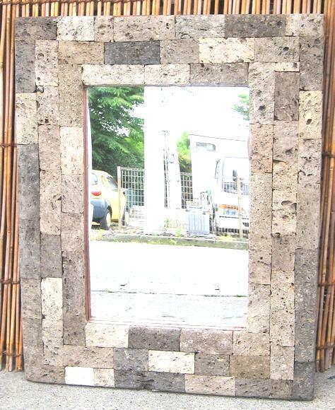 軽石をデコレートした個性的な壁掛けミラー 爆売りセール開催中 WEB限定 ストーンコラージュ壁掛けミラー~S~