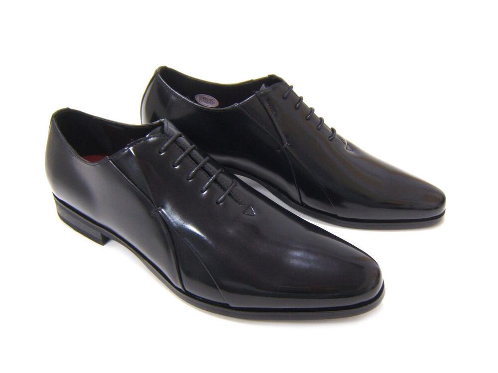 イタリアンモードにこだわったロングノーズ!カルロメディチ 紳士靴 CJ-3056 ブラック ホールカット ドレスシューズ ビジネス 送料無料 3Eワイズ 日本製