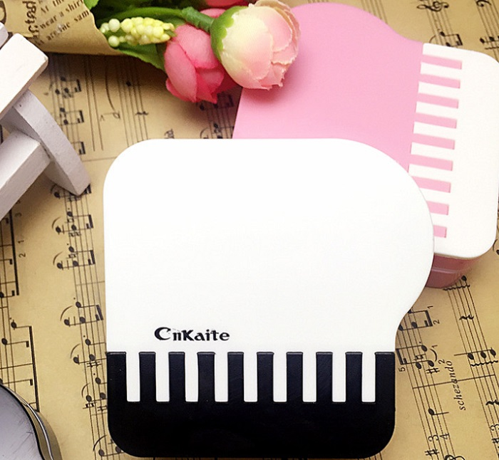 鏡がついていてとっても便利! 【送料無料】ピアノコンタクトレンズケース 3色 ブラック ブルー ピンク かわいい 便利 コンパクト 携帯 コンタクト 鏡 音楽