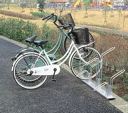 ダイケン 自転車用 サイクルスタンド CS-H4(スタンドピッチ400) 収容台数4台[自動車/駐輪/駐輪所/スペース/設置/ラック/停める/ダイケン/だいけん]