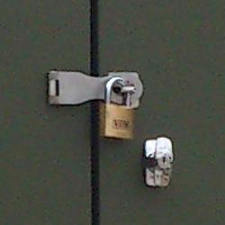 送料無料 お客様組立 英国製メタルシェッド オプション ハスプ&パドロック(ステンレス製丁番+南京錠)