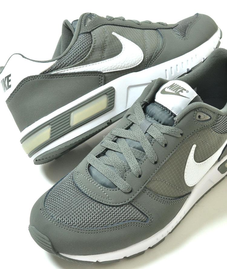 NIKE NIGHT GAZER Nike night gazing green mens sneakers