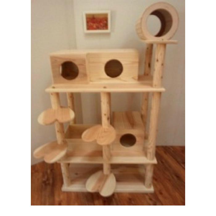 商品名:『猫まみれツリージャングル』宮大工さん手作り仕上げ!!木製キャットタワー(おしゃれなハート型踏み台)◎お掃除簡単で何といっても清潔!!◎他の市販商品とは違い、丸太支柱が頑丈強固なので、永年ご愛用できかえってお買い得!!