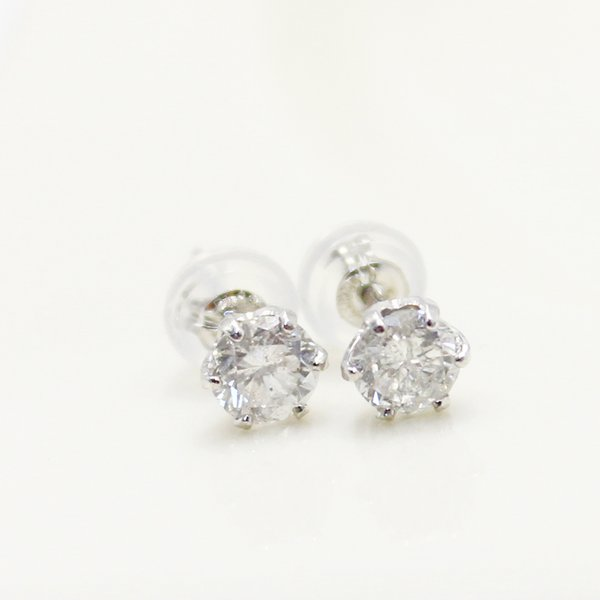 直送・代引不可 プラチナ0.6ctダイヤモンドスタッドピアス 別商品の同時注文不可