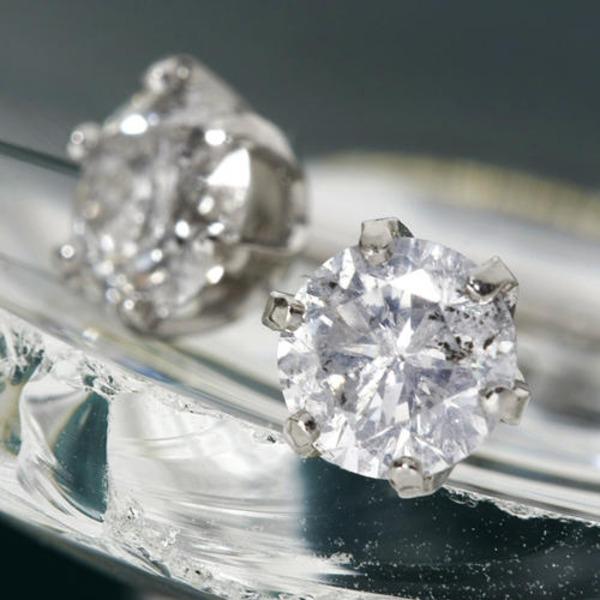 直送・代引不可PT0.85ctアップダイヤモンドピアス(鑑別書付き) プラチナ別商品の同時注文不可
