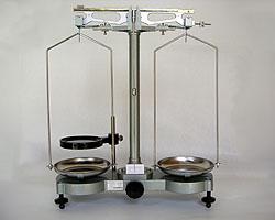 村上衡器製作所(村上衡器)[MURAKAMI0073] 物理天びん PB-500 分銅付 MURAKAMI-0073