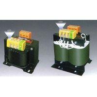 【個人宅配送不可】【個数:1個】スワロー電機(SWALLOW) [SC21-1KEL] 「直送」【代引不可・他メーカー同梱不可】LED付電源トランス 200V系 1KVA SC211KEL