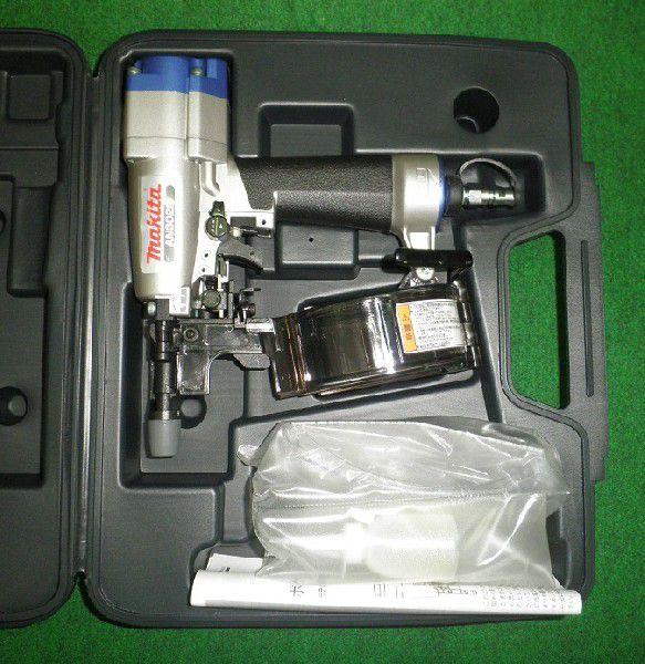 即日発送 マキタ 内装ボード用ポケットエアー釘打機 AN302P 新品:プロショップE-道具館店-DIY・工具