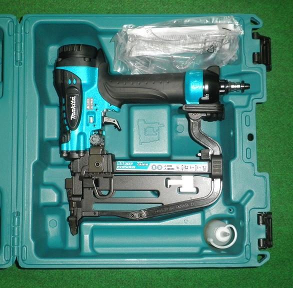 AT450HAM マキタ 高圧4mm幅フロア用タッカ 青 新品