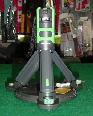 パナソニック レーザ-マーカー 墨出し名人 BTL1101G 十字・回転台付 新品