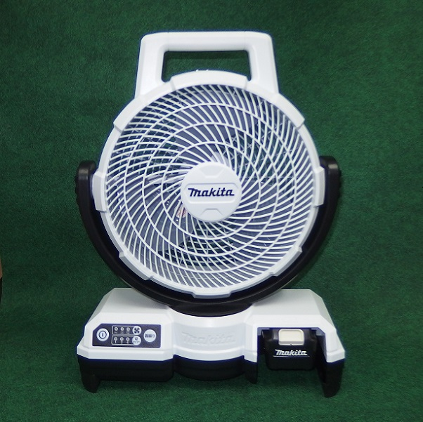 マキタ CF202DZW+BL1040B+DC10SA 10.8V 自動首振機能付充電式ファン 羽根径235mm 白 4.0Ahバッテリ・充電器付セット 新品 扇風機