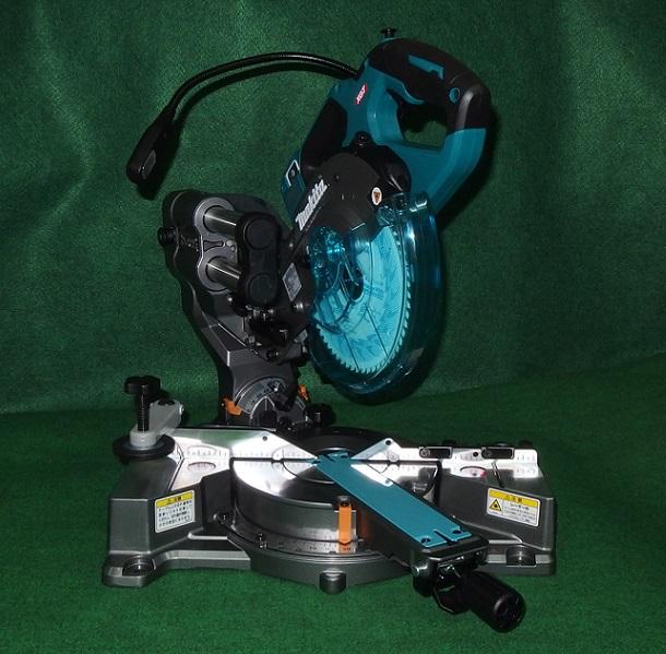 マキタ LS001GZ バッテリ・充電器付セット 40V max-165mm充電式スライドマルノコ バッテリ:BL4025x2 充電器:DC40RA 新品