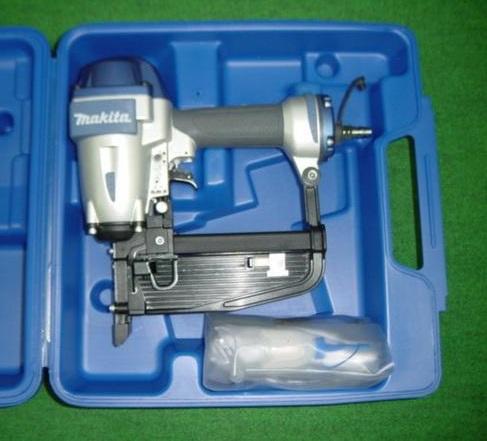 マキタ AT1150B 11.3mm常圧フロ-リング用エアタッカ 新品