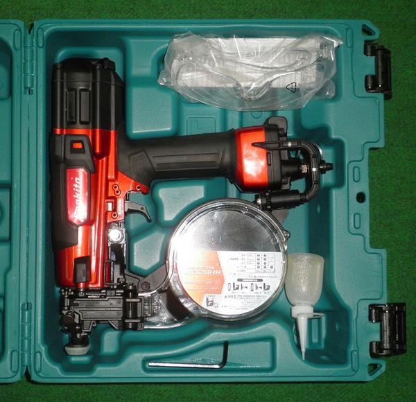 マキタ 32mm高圧エアビス打ち機 AR320HR 新品