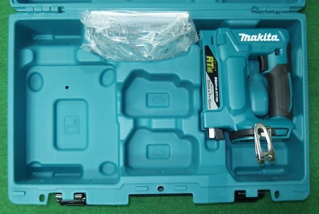 マキタ 14.4V RT線用充電式タッカ ST111DZK 本体+ケ-ス 新品