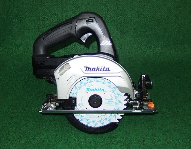 マキタ HS470DZSB 14.4V-125mm充電式ブラシレスマルノコ サメ肌チップソ-付 本体のみ バッテリ・充電器別売 黒 新品