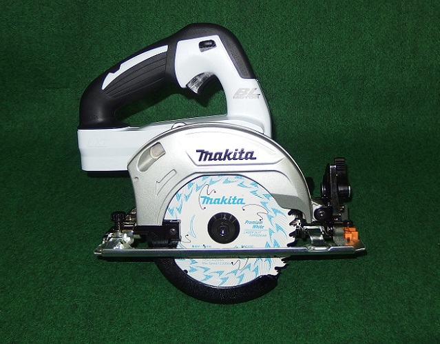 マキタ HS470DZSW 14.4V-125mm充電式ブラシレスマルノコ サメ肌チップソ-付 本体のみ バッテリ・充電器別売 白 新品