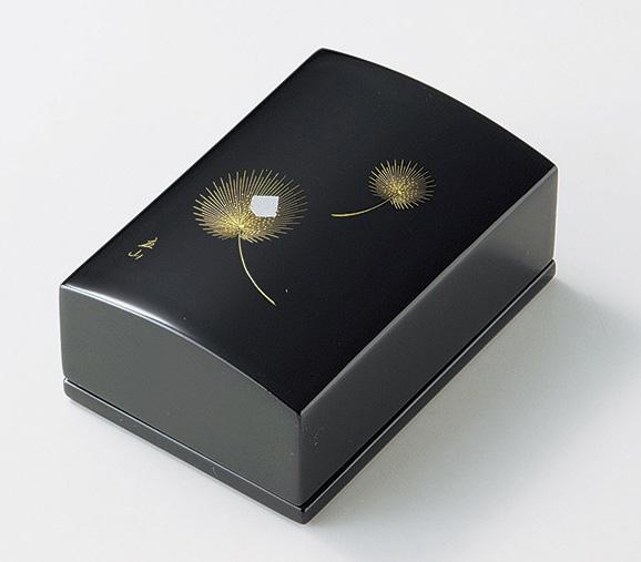【送料無料】越前漆器 名刺箱 沈金飛花(小)黒 911407 (名刺入れ 小物入れ) (松屋漆器)