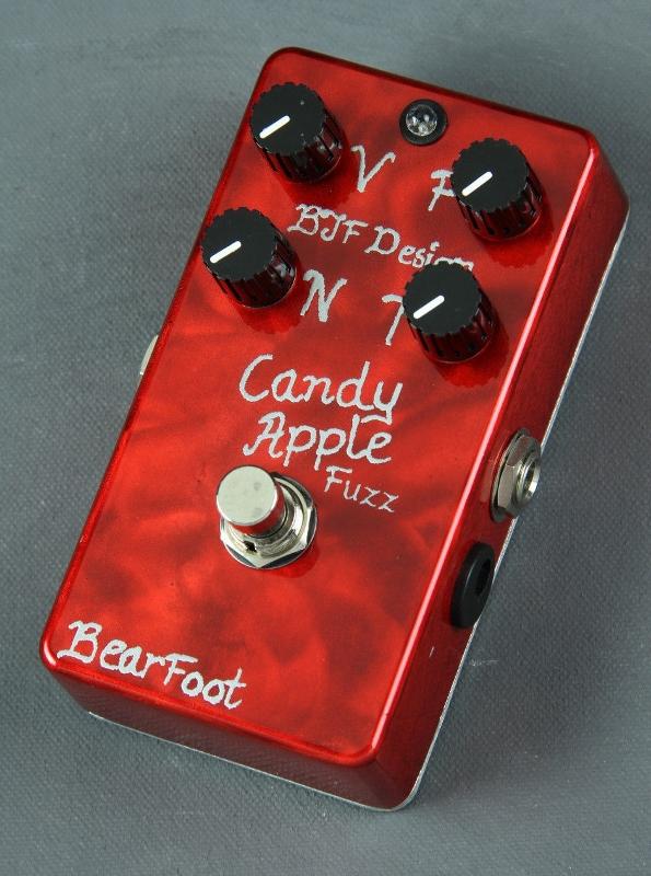 【レビューを書いて次回送料無料クーポンGET】BearFoot Guitar Effects Candy Apple Fuzz Silver エフェクター【メーカー1年保証】【ベアフット】【ファズ】【新品】