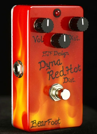【レビューを書いて次回送料無料クーポンGET】BearFoot Guitar Effects Dyna Red Dist. Hot Custom エフェクター【メーカー1年保証】【ベアフット】【ディストーション】【新品】