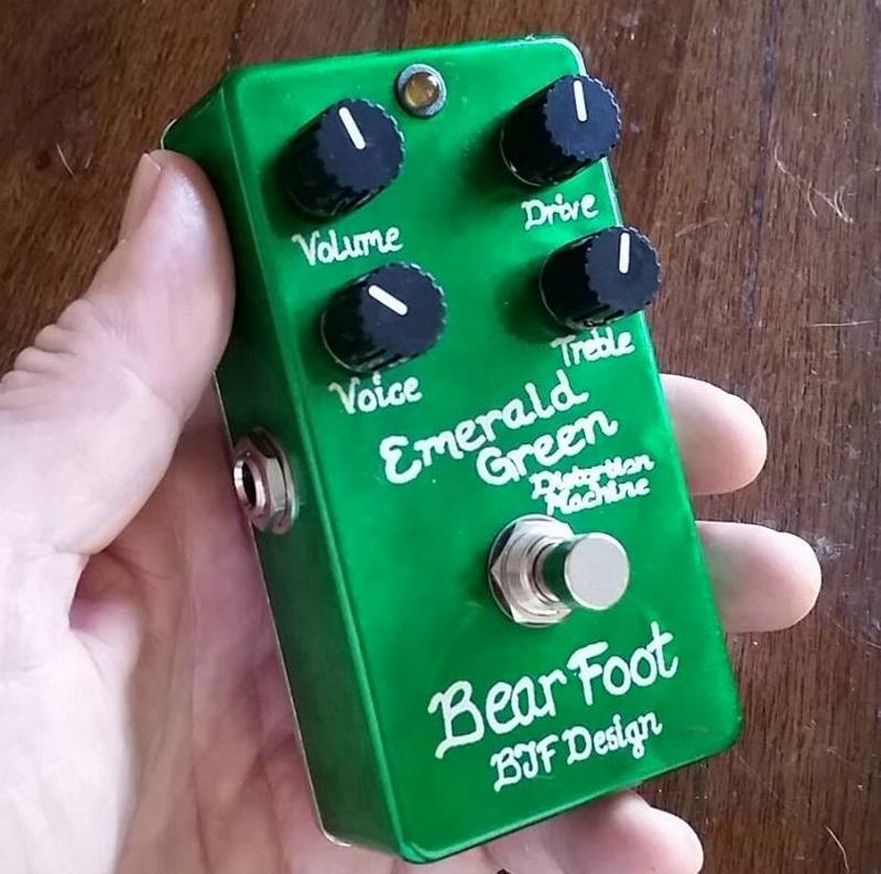 【レビューを書いて次回送料無料クーポンGET】BearFoot Guitar Effects Emerald Green Distortion Machine エフェクター【メーカー1年保証】【ベアフット】【ディストーション】【新品】