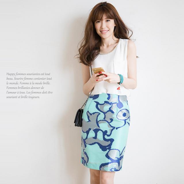 予約販売 主役級の存在感 ジャガード織りタイトスカートシルバー×ブルーの夏カラーが涼しげで素敵です 限定品 裏地付き ボトムス レディースファッション ハーフ丈 在庫わずか ひざ丈