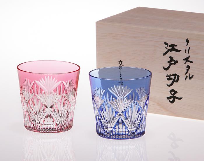 送料無料 一番人気! 江戸切子 ペア冷酒杯<笹っ葉に斜十文字紋>品番 - 2406 カガミクリスタル