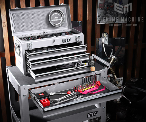 在庫有 KTC 6.3sq./9.5sq. 96点工具セットツールワゴン付 SK59620XXSEM(特典付)シルバー プロフェッショナルモデル SKX0213S/SKX2613S 採用モデル