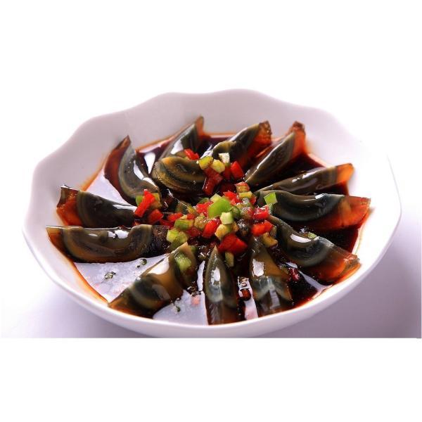 驚きの値段で そのまま食べるよりも良し お粥やスープに入れると 旨みが広がり 料理をいっそう美味しくしてくれます 青島皮蛋Lサイズ 箱 20個 チンタオピータン 中国産 硬芯タイプ 高品質