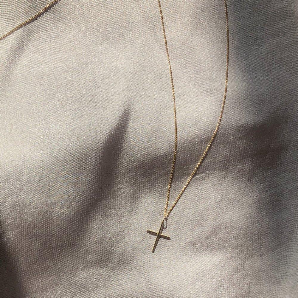18金 ネックレス hirondelle(イロンデール)k18 hn-8-8-185 クロスネックレス/ロング【送料無料】 市場
