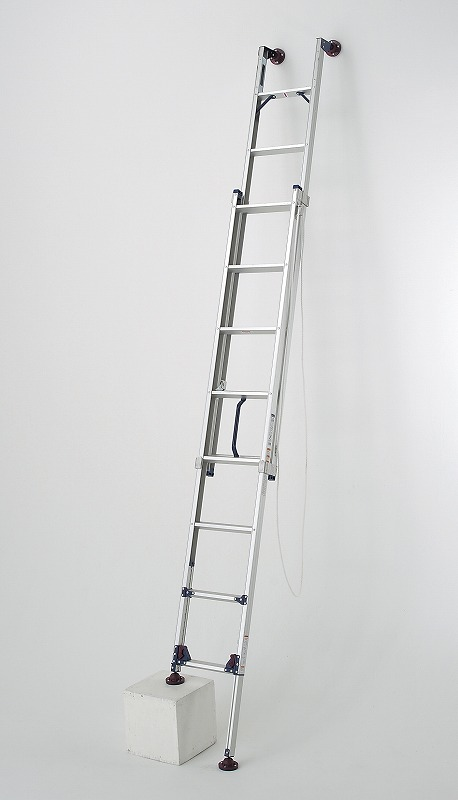 脚アジャスト式 二連梯子