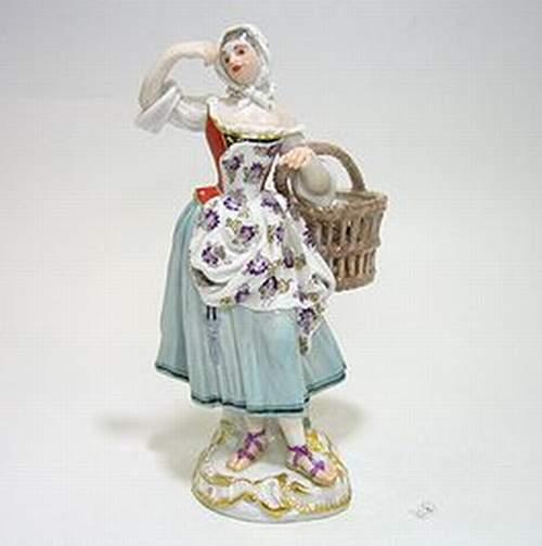 マイセン人形・パリの行商人 クッキー売り娘・61164