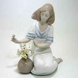 リヤドロ・真正ロゴ 6914 Loving Bouquet