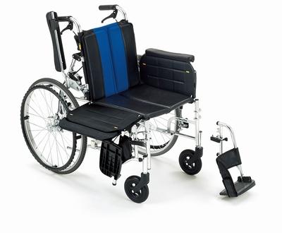 (代引き不可)ミキ トランスファーボード付きアルミ自走式式車いす ラクーネ2 LK-2 ノーパンクタイヤ仕様 介護用品【532P16Jul16】