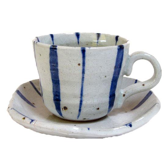 美濃焼 温もりを感じさせる土物のカップ ソーサー コーヒーカップソーサー ひさご 限定Special Price 紺十草 碗皿国産 食洗機対応 売買 珈琲 持ちやすい 温もり プレゼント ストライプ レンジ対応 コーヒー 和風