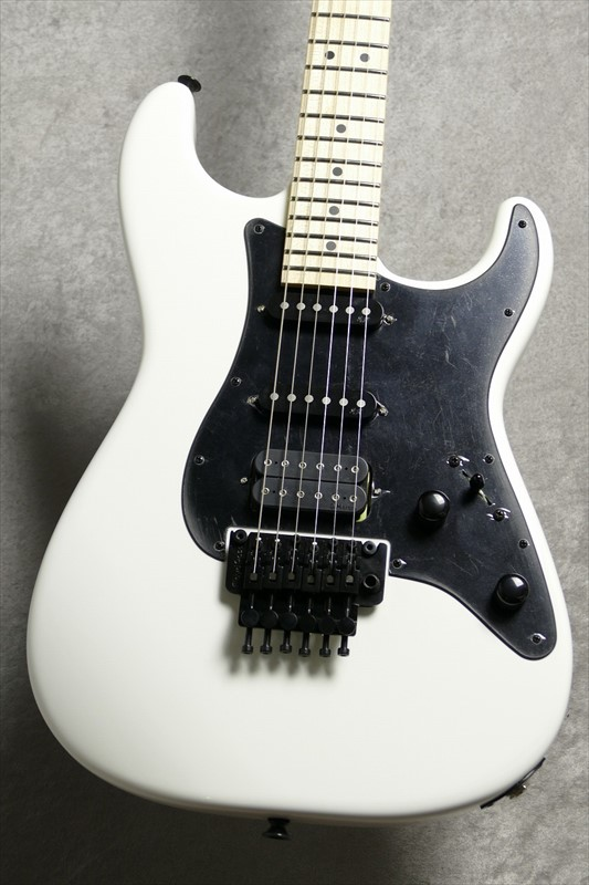 Iron MaidenのギタリストAdrian Smithのシグネイチャーモデル Jackson Guitars 国内最大級の展示量 48回無金利対象商品 USA Smith Adrian ●スーパーSALE● セール期間限定 White Dimas San 絶品 Snow Maiden 即納可能