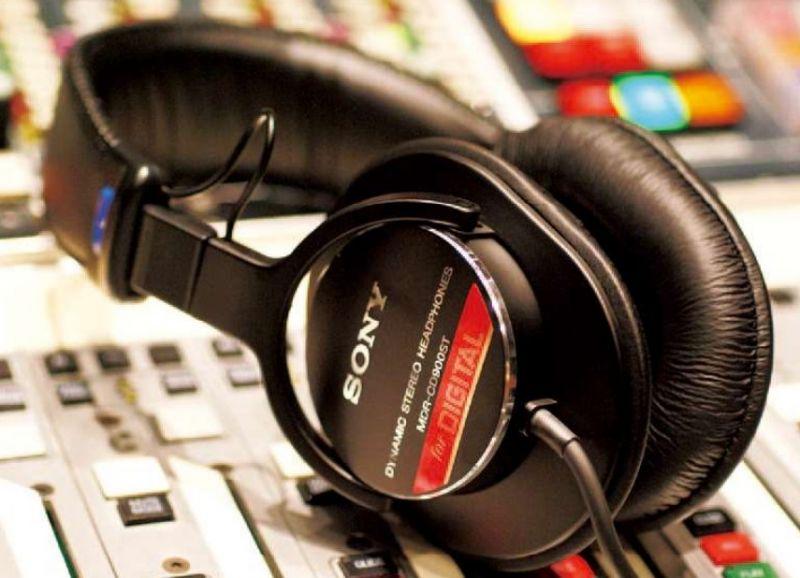 SONY ソニー MDR-CD900ST 【密閉ダイナミック型】【モニターヘッドホン】【プロ愛用ハイスタンダード】【送料無料】