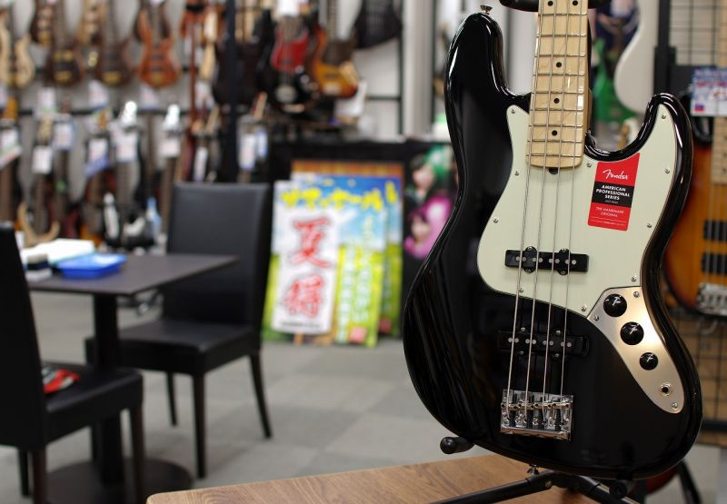 Fender USA American Professional Jazz Bass Black/M 【フェンダー】【ジャズベース】【アメリカン・プロフェッショナル】【送料無料】