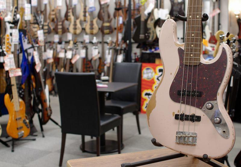Fender Mexico Flea Jazz Bass Rosewood Fingerboard/Roadworn Shell Pink 【フェンダーメキシコ】【ジャズベース】【フリー・モデル】【Red Hot Chili Peppers・レッチリ】【送料無料【お取り寄せ商品】