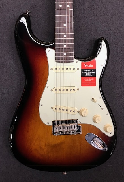 Fender American Professional Stratocaster ~3-Color Sunburst / Rosewood Fingerboard~ #US17078984 【3.76kg】【フェンダー】【アメリカン・プロフェッショナル】【ストラトキャスター】