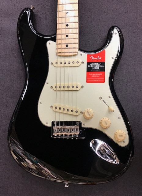 Fender USA American Professional Stratocaster ~Black / Maple Fingerboard~ #US17103845 【3.58kg】【フェンダー】【アメリカン・プロフェッショナル】【ストラトキャスター】【送料無料】
