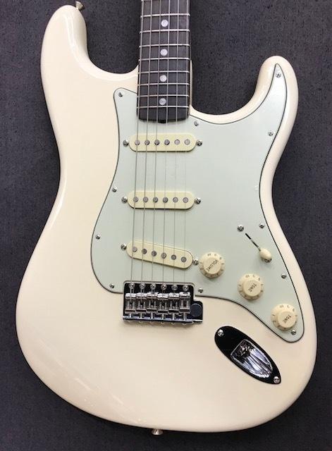 Fender American Original '60 Stratocaster Olympic White s/n V1743652【選定品】【オリンピックホワイト】【フェンダー】【アメリカン・オリジナル】【ストラトキャスター】【送料無料】