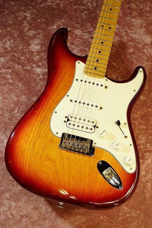 Fender USAAmerican Standard Stratocaster ASH SSH CB/R 【2011年製】【中古・USED】【フェンダー】【アメリカン・スタンダード】【アメスタ】【ストラトキャスター】