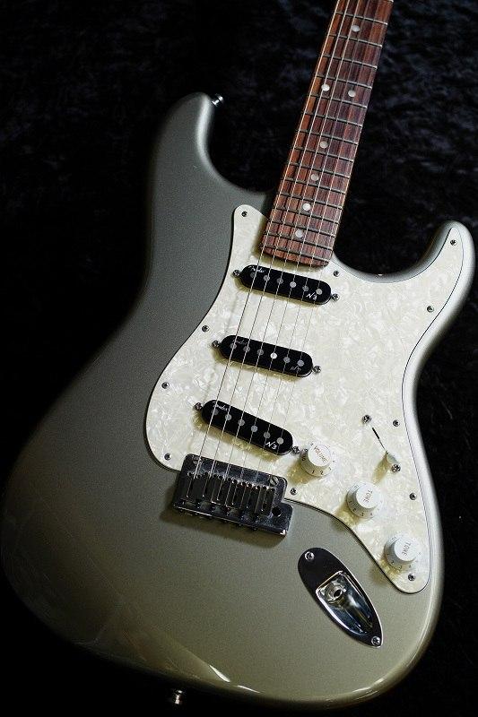 Fender American Deluxe Stratocaster SLV/R【2013'USED】【中古・USED】【フェンダー】【アメリカンデラックス】【アメデラ】【ストラトキャスター】