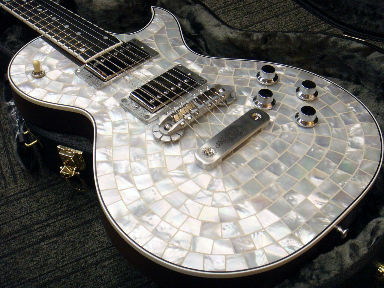 Zemaitis Custom Shop Pearl Front Series CS24PF WHITE PEARL (# KZ170746)【ゼマイティス】【パールフロント】【送料無料】