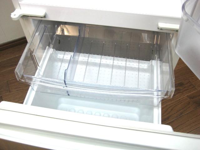 2007年尖锐的无氟利昂冷冻冷藏库135L SJ-614W