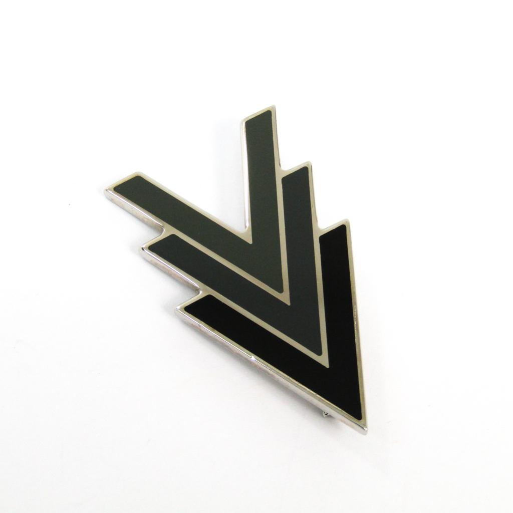 ルイ・ヴィトン(Louis Vuitton) トリプルV M00062 メタル ブローチ ブラック,ダークグレー,カーキ 【中古】